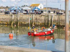 Burton Bay - Dorset - 994050 - thumbnail photo 22
