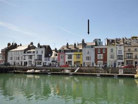 4 bedroom Cottage for rent in Weymouth