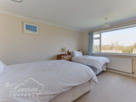 Hillview Bungalow - Dorset - 994260 - thumbnail photo 10