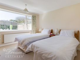 Hillview Bungalow - Dorset - 994260 - thumbnail photo 11