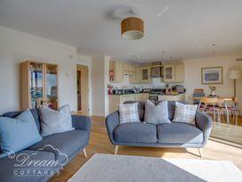 Harbour View Apartment - Dorset - 994286 - thumbnail photo 6