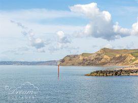 Harbour View Apartment - Dorset - 994286 - thumbnail photo 18