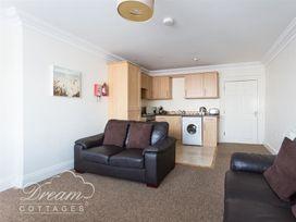 Harbour Watch Apartment 1 - Dorset - 994289 - thumbnail photo 3