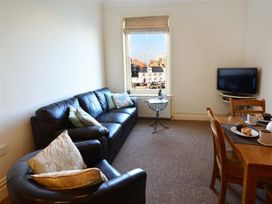 Harbour Watch Apartment 6 - Dorset - 994293 - thumbnail photo 3