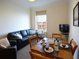 Harbour Watch Apartment 6 - Dorset - 994293 - thumbnail photo 4