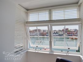 Old Coastguard Apartment 2 - Dorset - 994463 - thumbnail photo 3