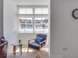 Old Coastguard Apartment 2 - Dorset - 994463 - thumbnail photo 7