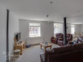 Old Coastguard Apartment 2 - Dorset - 994463 - thumbnail photo 10