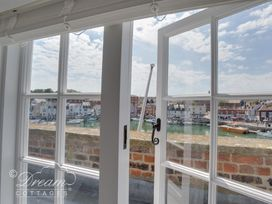 Old Coastguard Apartment 3 - Dorset - 994465 - thumbnail photo 2