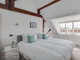 Old Coastguard Apartment 3 - Dorset - 994465 - thumbnail photo 13