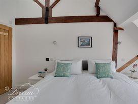 Old Coastguard Apartment 3 - Dorset - 994465 - thumbnail photo 14