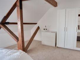 Old Coastguard Apartment 3 - Dorset - 994465 - thumbnail photo 19
