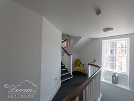 Old Coastguard Apartment 3 - Dorset - 994465 - thumbnail photo 25