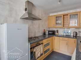 Old Malthouse Apartment - Dorset - 994486 - thumbnail photo 4