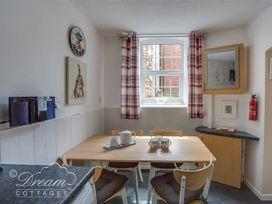 Old Malthouse Apartment - Dorset - 994486 - thumbnail photo 7