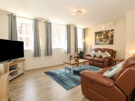 Old Malthouse Apartment - Dorset - 994486 - thumbnail photo 3
