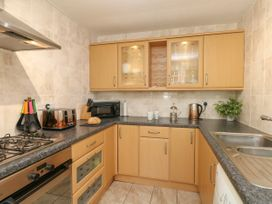 Old Malthouse Apartment - Dorset - 994486 - thumbnail photo 6