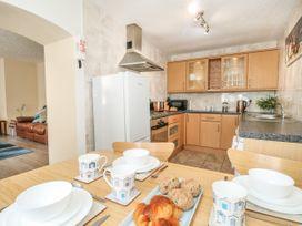 Old Malthouse Apartment - Dorset - 994486 - thumbnail photo 9