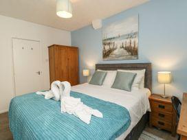 Old Malthouse Apartment - Dorset - 994486 - thumbnail photo 12