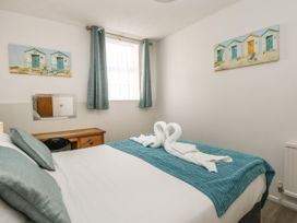 Old Malthouse Apartment - Dorset - 994486 - thumbnail photo 14