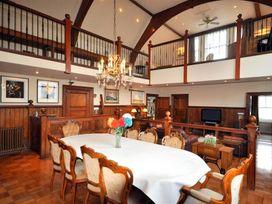 The Old Portland Courthouse - Dorset - 994487 - thumbnail photo 6