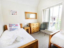 Olympic Cottage - Dorset - 994497 - thumbnail photo 8