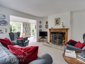 The Old Post Office Cottage - Dorset - 994562 - thumbnail photo 2