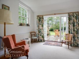 The Old Post Office Cottage - Dorset - 994562 - thumbnail photo 6