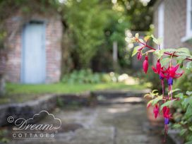 The Old Post Office Cottage - Dorset - 994562 - thumbnail photo 11