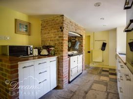 The Old Post Office Cottage - Dorset - 994562 - thumbnail photo 12