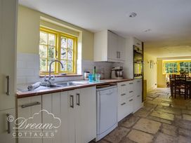 The Old Post Office Cottage - Dorset - 994562 - thumbnail photo 13