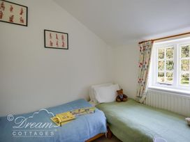 The Old Post Office Cottage - Dorset - 994562 - thumbnail photo 24