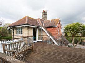 Redcliff View Lodge - Dorset - 994586 - thumbnail photo 14