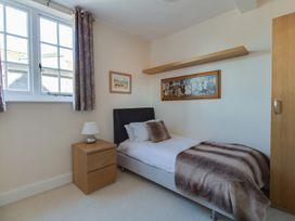 Sea Park Apartment - Dorset - 994627 - thumbnail photo 11