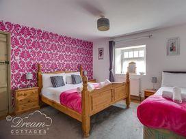 Upsidedown House - Dorset - 994746 - thumbnail photo 14