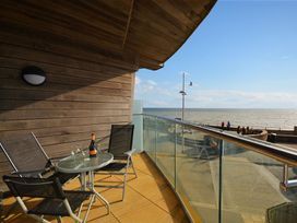 West Bay Apartment - Dorset - 994770 - thumbnail photo 3