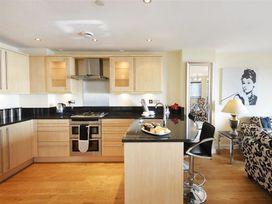 West Bay Apartment - Dorset - 994770 - thumbnail photo 5