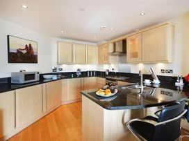 West Bay Apartment - Dorset - 994770 - thumbnail photo 6