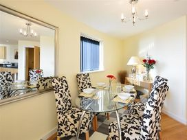 West Bay Apartment - Dorset - 994770 - thumbnail photo 8