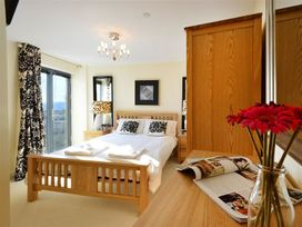 West Bay Apartment - Dorset - 994770 - thumbnail photo 9