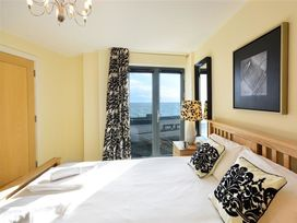 West Bay Apartment - Dorset - 994770 - thumbnail photo 10