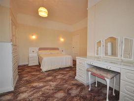 Weymouth Bay Apartment B - Dorset - 994772 - thumbnail photo 9