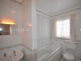 Weymouth Bay Apartment C - Dorset - 994773 - thumbnail photo 11