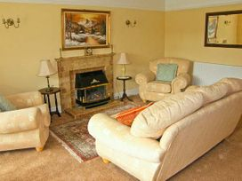 The Old Manor House - South Wales - 9948 - thumbnail photo 3