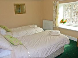 The Old Manor House - South Wales - 9948 - thumbnail photo 8