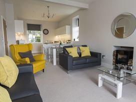 1 The Manor House, Hillfield Village - Devon - 994860 - thumbnail photo 3