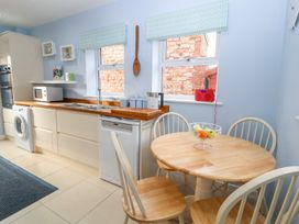 Canal View Cottage - North Wales - 995045 - thumbnail photo 8