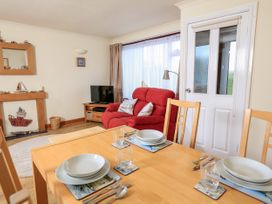 49 Cumber Close - Devon - 995046 - thumbnail photo 7