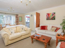 4 Rosemount Court - Devon - 995079 - thumbnail photo 2