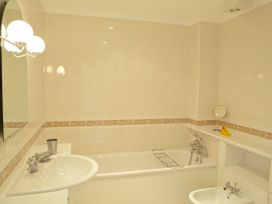 4 Thurlestone Rock - Devon - 995087 - thumbnail photo 15